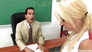 تيسا تايلور يجعل من الصعب على المعلم