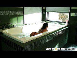 الاستحمام ماك كريستي يحب الشرج