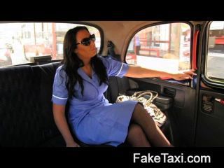 faketaxi ممرضة قرنية يحب الديك