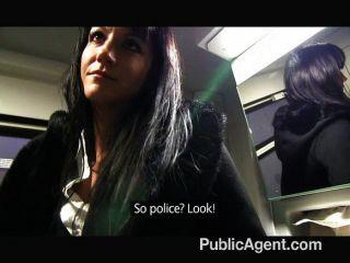 الملاعين بينيلوب publicagent على متن القطار