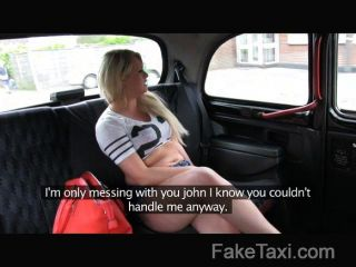 faketaxi الديك شقراء جائع في الشرج سيارة أجرة
