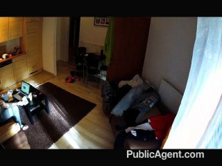فيديو محلية الصنع publicagent في غرفة فندق
