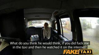 امرأة faketaxi الملاعين على كام لصديقها