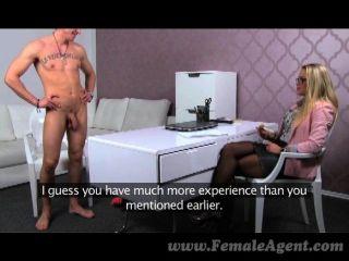 cums في استيلاد femaleagent في الفم ميلف
