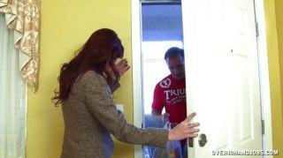 أحمر الشعر مفلس جبهة مورو الهزات قبالة بونر