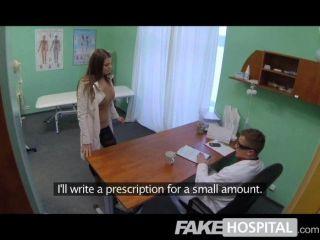 طبيب في مستشفى وهمية ينفي مضادات الاكتئاب