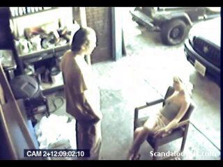 محبي ممارسة الجنس الخشن اشتعلت على كاميرا تجسس