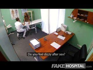 التجسس fakehospital على فاتنة الشباب الساخنة