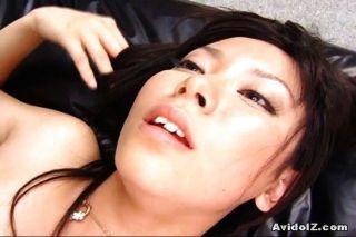 مثير ساتومي maeono مارس الجنس على الأريكة