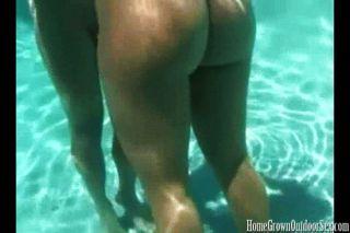 الجنس هو أفضل تحت الماء