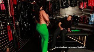 أنجلينا مفلس كاسترو متجر الجنس بجولة اللعنة!