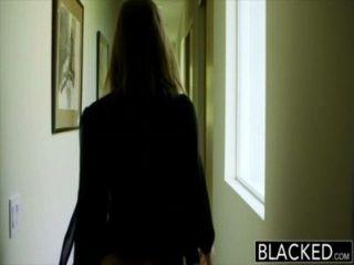 التعتيم الكبير الغنائم فتاة ابيلا خطر يعبد الديك الأسود الكبير