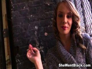 في سن المراهقة beckie لين creampied بنسبة 5 الديوك السوداء (جزء 1)