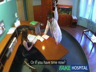الأطباء fakehospital الفحص الطبي الإلزامي