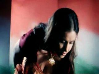 سوبر الساخنة التعرض انشقاق ب الصف الممثلة أمريتا dhanoa الهندي