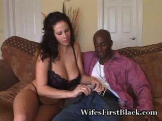 طعم أول أسود
