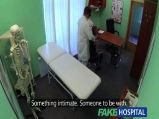 الأطباء fakehospital الديك المصارف الطلاب مثير الاكتئاب خلال التشاور