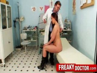 الثدي ضخمة امرأة سمراء ستيلا الثعلب فحص طبي في عيادة gyno