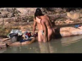 الجنس في الهواء الطلق البرازيلي على باهيا النهر