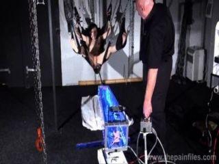 العقاب آلة الداعر القبور إيليز في تقديم البديل عبودية المتشددين