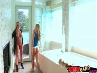 في سن المراهقة فتاة jessa رودس وكبير الثدي STEPMOM جنيفر أفضل الثلاثي