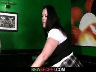 وقالت انها تجد الغش له مع BBW