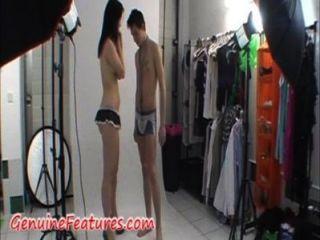 زوجين رهيبة تظهر نفسها أمام الكاميرا