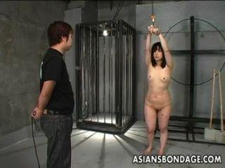 اليابانية فتاة للجلد وملزمة