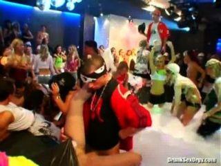 bangstas احة دبي للسيليكون الجنة جزء 1 كام 2 جزء 3 حزب الاباحية أنبوب الفيديو في yourlustcom!