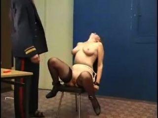 عقوبة الضرب الشديد للفتيات الروسية