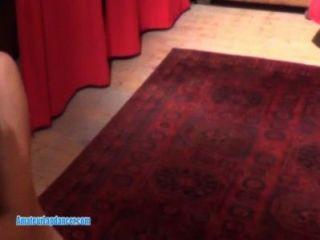 lapdance رائعتين من قبل امرأة سمراء التشيكية صغير