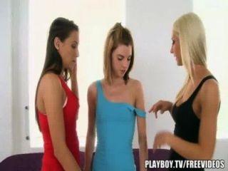 تدليك مثير يؤدي إلى الفتاة على عمل الفتاة