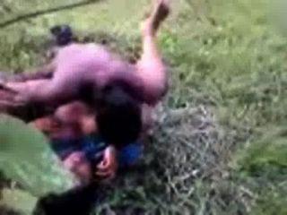 بنجلاديش الجنس الهندي عمتي قرية التيلجو في ساري مارس الجنس في الهواء الطلق