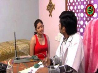 الهندي الطبيب رومانسية ساخنة مع سيدة في نفس المنزل المعتوه وفاز الحمار