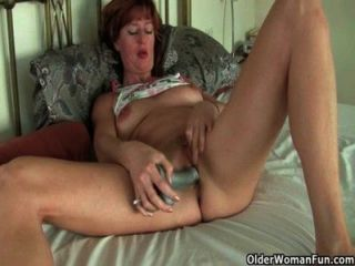 الأمهات البريطانية وناضجة ممارسة الجنس المنفرد مع الأصابع ودسار