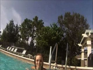lilyth ماي الهواة نموذج في سن المراهقة الفيديو تحت الماء