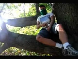 مثلي الجنس في سن المراهقة صبي wanked في الغابة