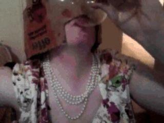cumpilation عابث امرأة: عابث امرأة يشرب نائب الرئيس من الزجاج، ويأكل نائب الرئيس على الطعام إلخ