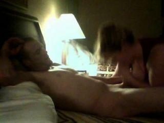 الأزواج مثير يجعل أول فيديو كاميرا ويب
