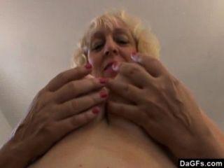 BBW الجبهة قبيحة يريد الاطلاق ديك في فمها