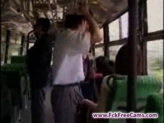 الاستمناء في حافلة fckfreecams.com