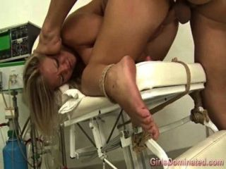 عبودية صنم فاتنة التدفق في حين مارس الجنس