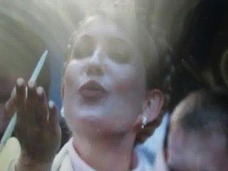 أنا أحب يوليا تيموشينكو ... هل هي ليست جميلة؟