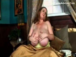 BBW الثدي نطاط مارس الجنس من قبل ديك كبيرة