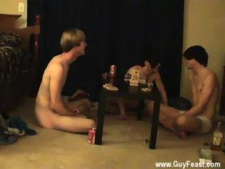 الديك مثلي الجنس هذا هو شريط فيديو مطول لأنواع المتلصص أنت الذي أحب