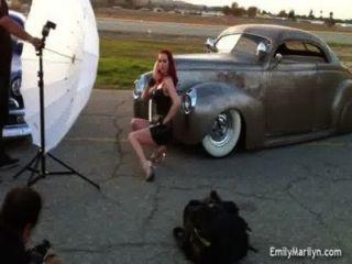 إميلي مارلين وراء الكواليس التقطت الصور
