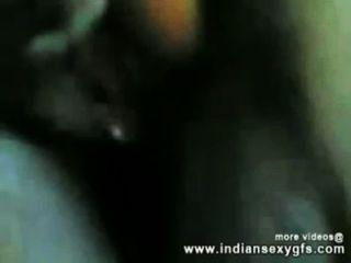 الهندي فتاة دس سخيف مع عمها في هوتيلروم indiansexygfs.com