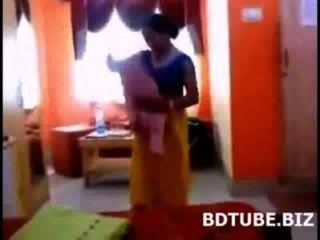 bhabhi بنجلاديش المتغيرة فستان الفيديو استولت عليها devar لها