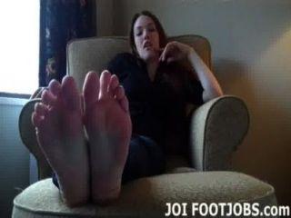 أنا أريد منك أن تمتص على أصابع قدمي سيئة للغاية