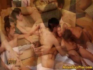 مثلي الجنس عشاق شخ الآسيوية لها العربدة